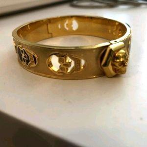 NEW Alexander McQueen Skull Clasp Cuff Bracelet